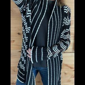 🆕NWT BCBG MAXAZRIA cardigan in Black and white